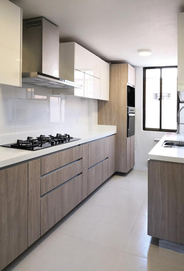 cocina moderna madera y alto brillo